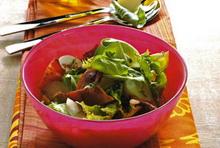 salata sa slaninom i mladim krompirom