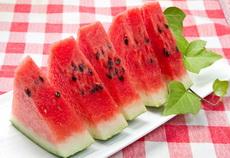 kako-se bira-zrela-slatka lubenica