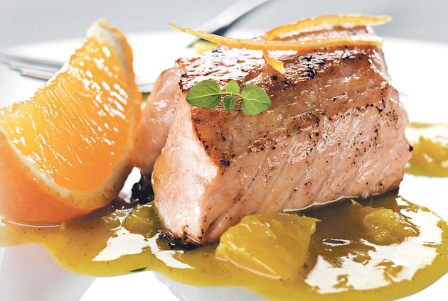 Peceni losos u sosu od pomorandze